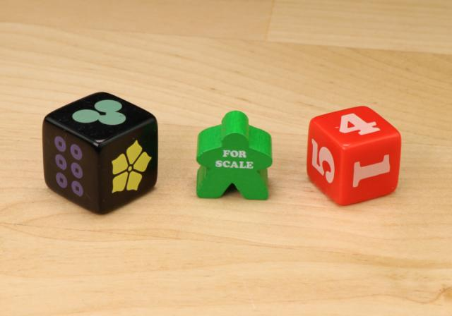 The Game Crafter - Board Game Pieces - D6 Nature Shapes & Bold Numeral Dice